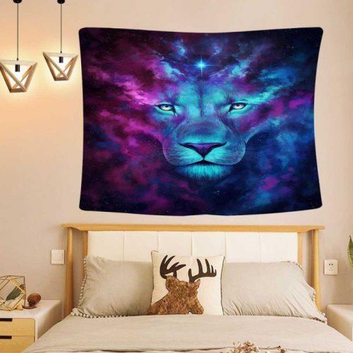Leeuw uit de wolken wandkleed