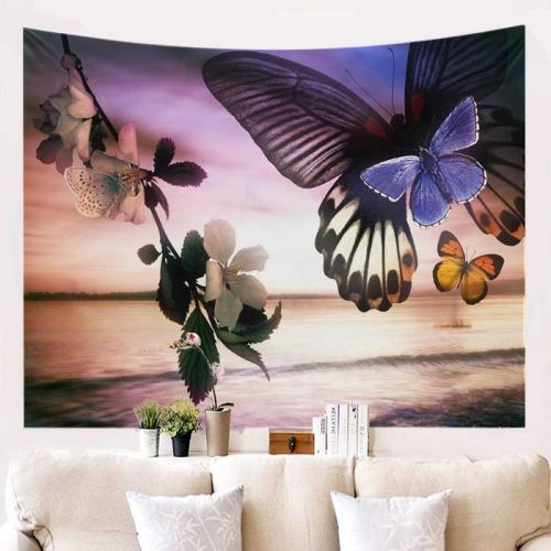 Vlinders bij bloemen en water