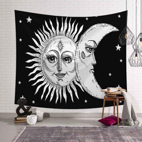 lachende zon met boze maan zwart wit
